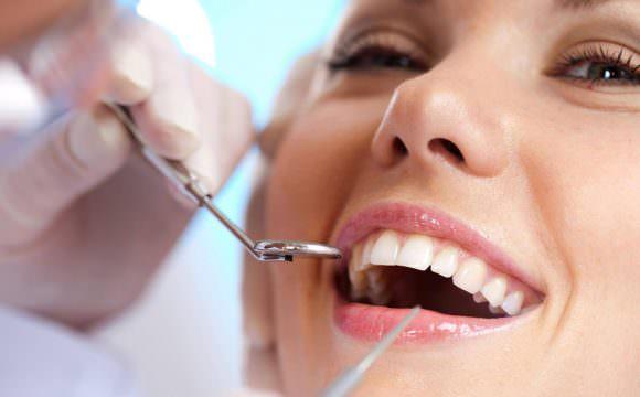 عيادة الأسنان
