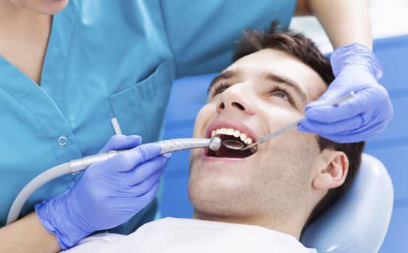 عيادة واحة للأسنان